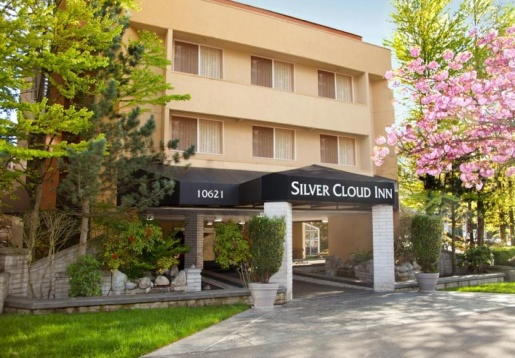 2241284-Silver-Cloud-Inn-Bellevue-Downtown-Hotel-Exterior-2-RTS